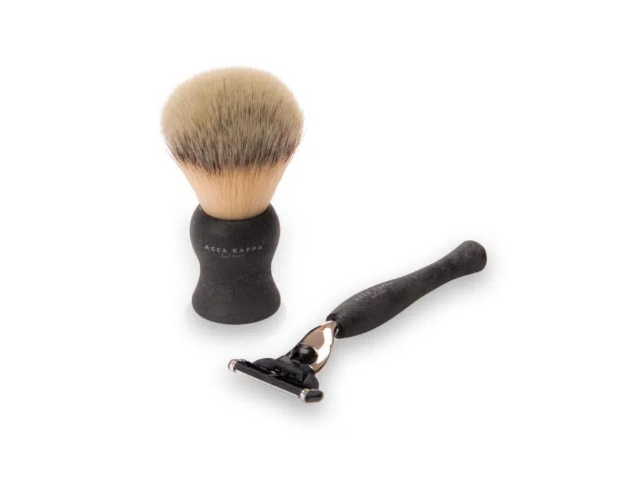 "Acca Kappa Shaving Set Synthetic Fibres Brush – ""Mach 3"" Razor – Black"